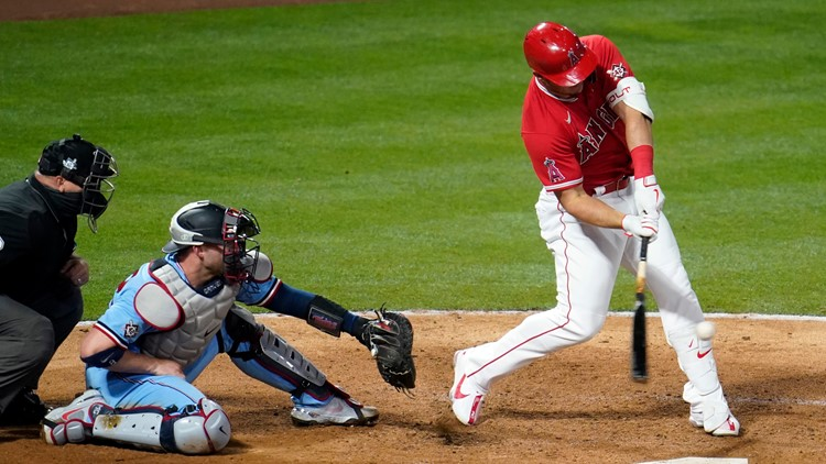Justin Upton's grand slam powers Angels past Twins, 10-3