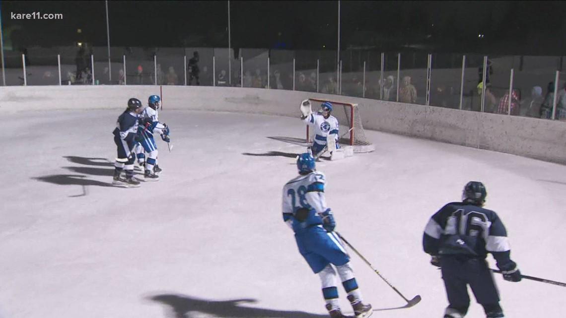 Cambridge-Isanti hockey team takes the game outdoors