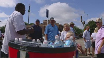 'Water guy' offers entertainment and hydration outside State Fair