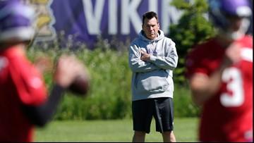 Team Kubiak, now wearing purple, preps to face Broncos