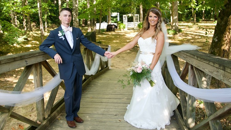 Not the ring bear-er: Black bear photobombs bride, groom in Gatlinburg